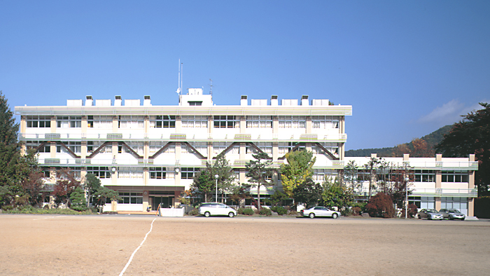 山形大学附属中学校